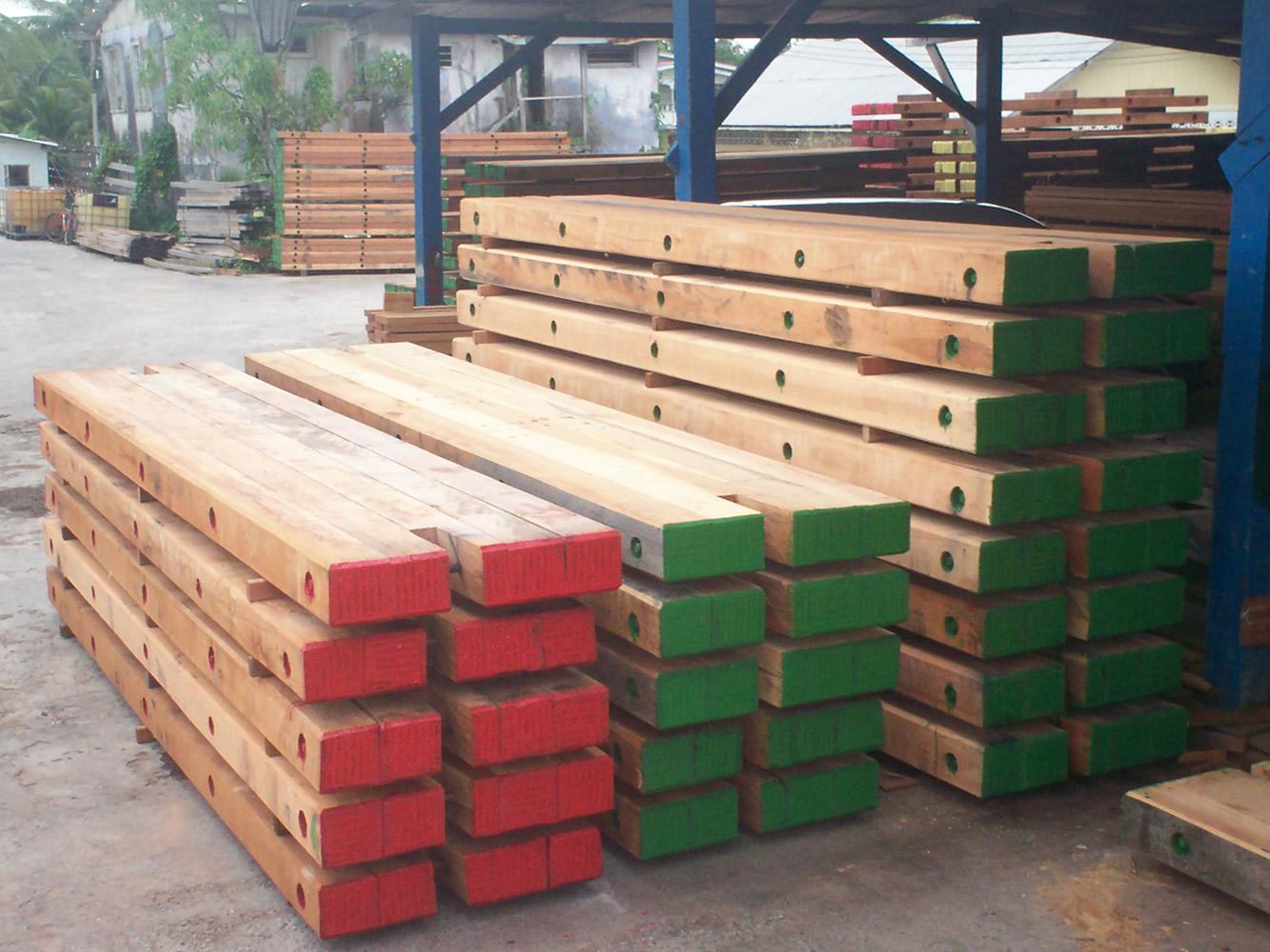 Hardwood Timber Mats ~ Hardwood bogmat digger mat crane ekkimat birketts